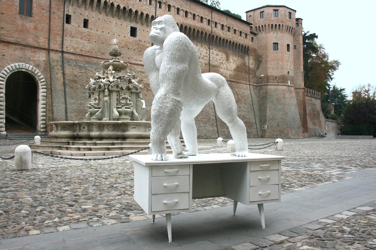 GORILLA SU CATTEDRA - Marcantonio design
