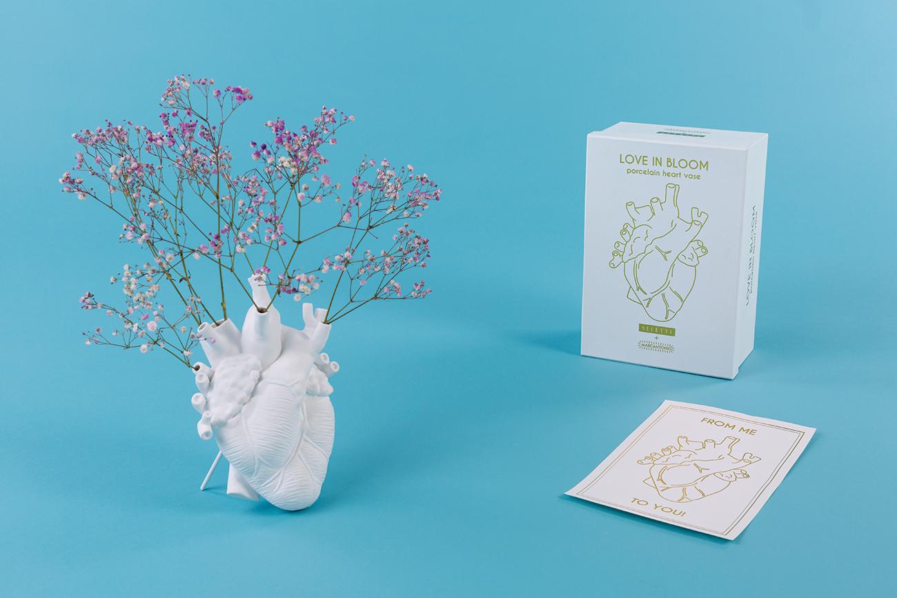 LOVE IN BLOOM Ceramic heart-shaped art vase - Marcantonio design