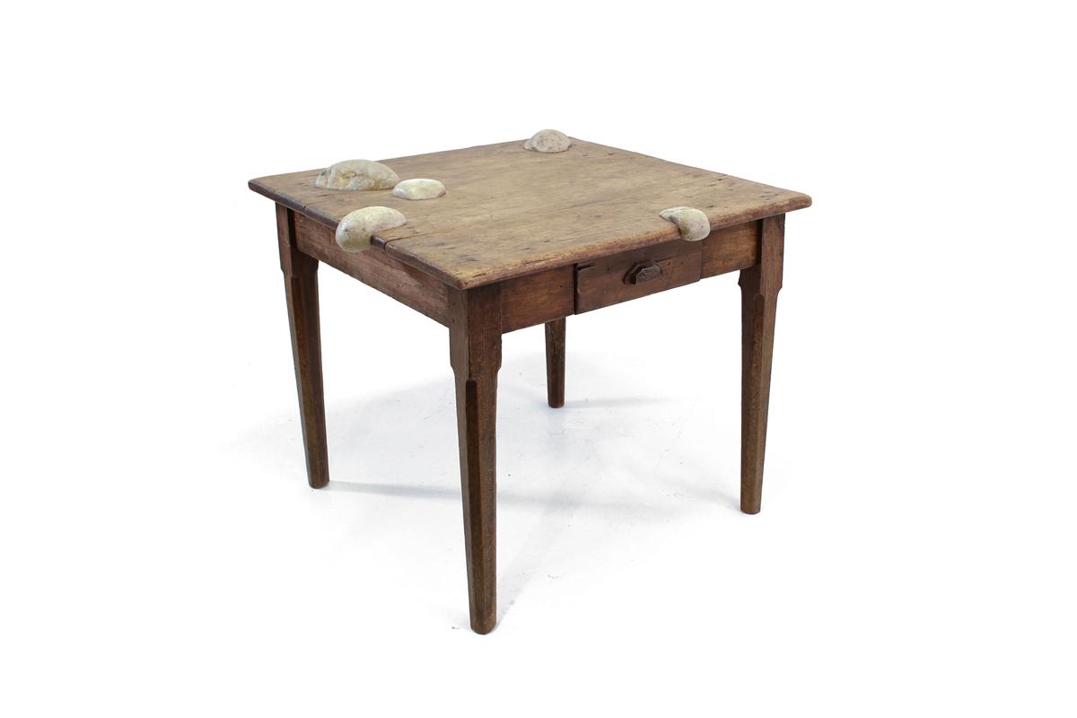 TABLE WITH STONES - Marcantonio design