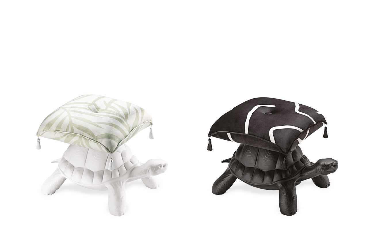 TURTLE CARRY POUF